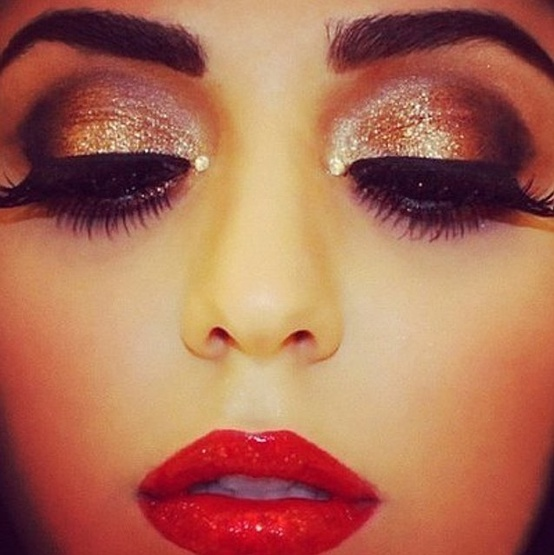 What color eye makeup with red dress